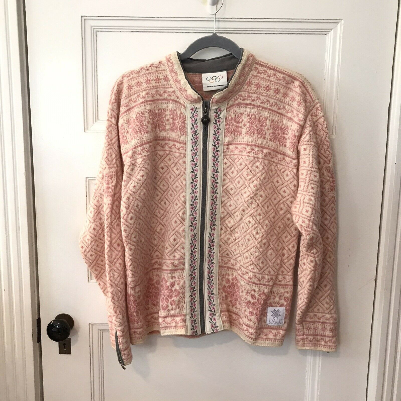 Dale of Norway Pink Olympic Hand Knit Cardigan Sweater L Flowers Snowflake 1980s