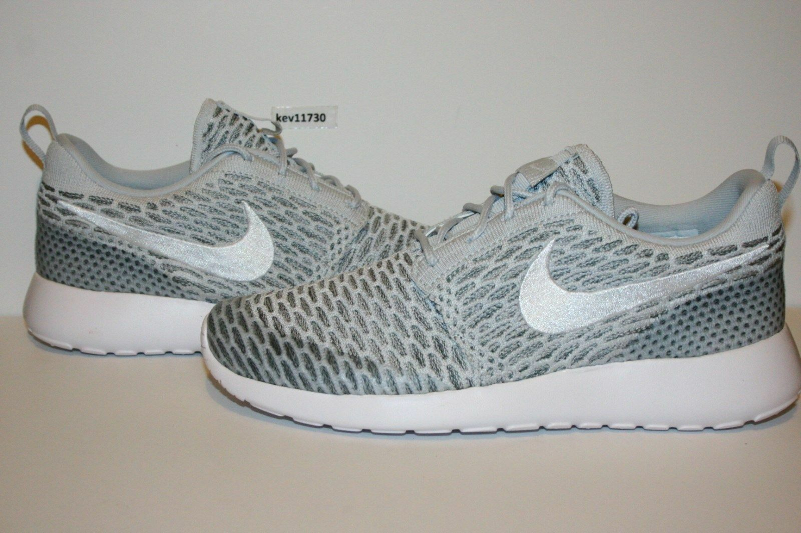 AUTHENTIC Nike Roshe Run One Flyknit Cool Gris blanc 704927 009 femmes Taille