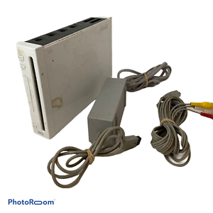 🍊 Nintendo Wii Gaming Console Gamecube Compatible White RVL-001 (USA) + Cords