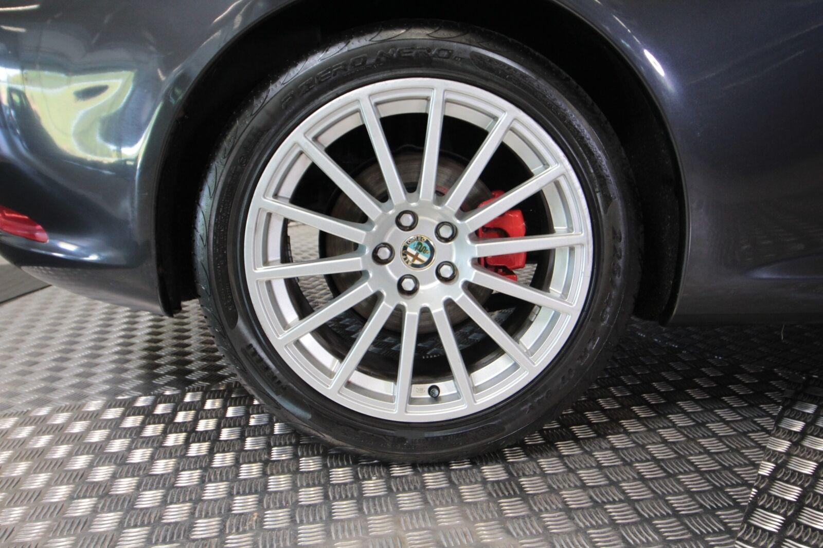 Alfa Romeo GT V6 24V