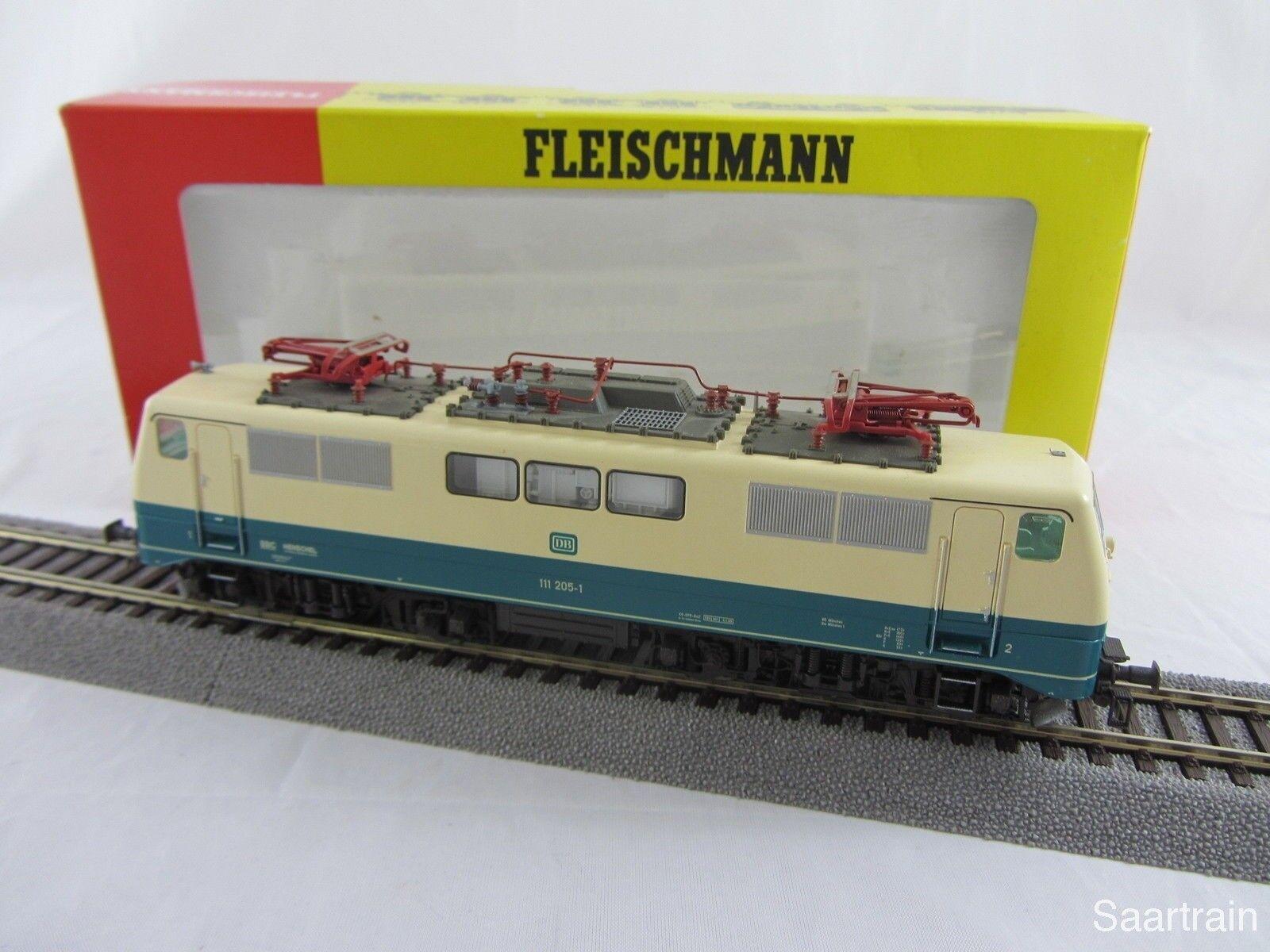 Fleischmann 4348 e Lok br 111 205 1 de la DB en azul beige buen estado con embalaje original