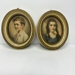 Lot-of-2-Vintage-Oval-Wood-Picture-Frames-With-Children-039-s-Pictures-4-5-034-x-5-5-034