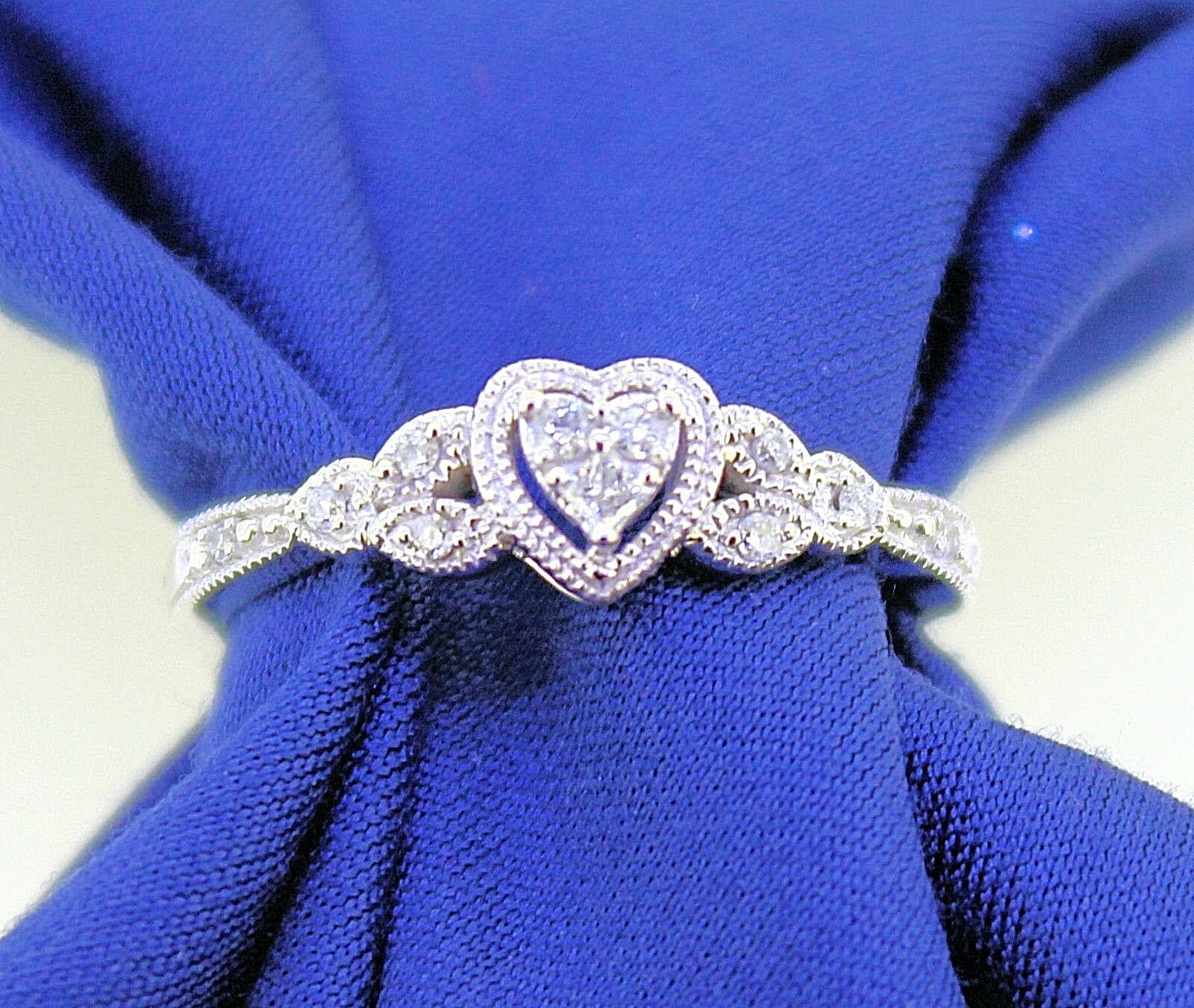 1 2 ct DIAMOND ACCENT HEART RING SOLID 10 kw gold 2.3 g SIZE 7.5