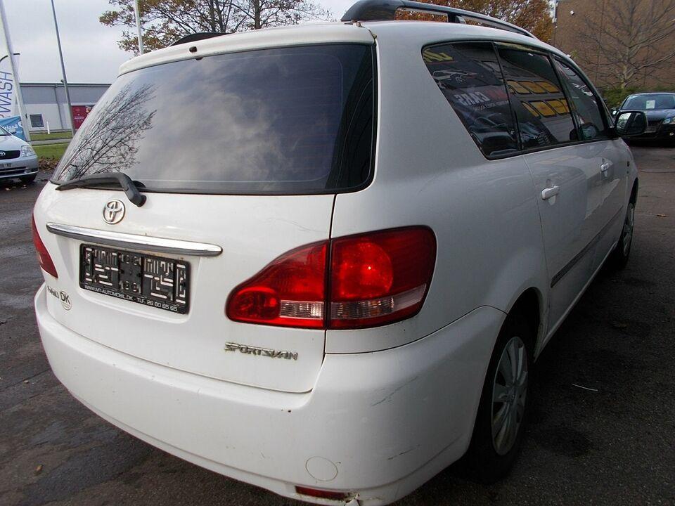 Toyota Sportsvan 2,0 VVT-i Benzin modelår 2003 km 103000