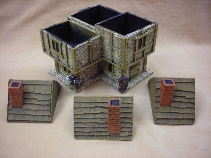 28MM PMC GAMES ME16 (PAINTED) TWO STOREY CORNER HOUSE WOOD ROOF - MEDIEVAL
