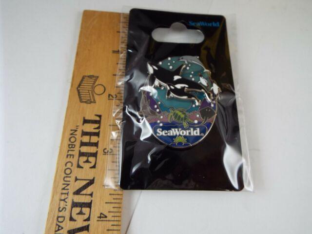 SeaWorld PENGUINS SNOWGLOBE PIN New on card