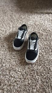 Vans-Old-Skool-Skate-Shoe-Unisex-Size-10-5-D-M-Black-White