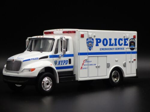 2013 13 INTERNATIONAL DURASTAR AMBULANCE NYPD RARE 1//64 SCALE DIECAST MODEL CAR