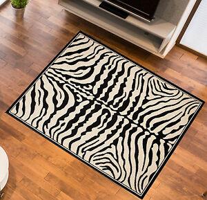 Tapis-zebre-aspect-motif-zebre-Afrique-Tapis-creme-Noir