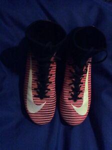 3f54f1802c59 JUNIOR NIKE MERCURIAL SUPERFLY V FG SOCK FOOTBALL BOOTS UK 4.5 RED ...