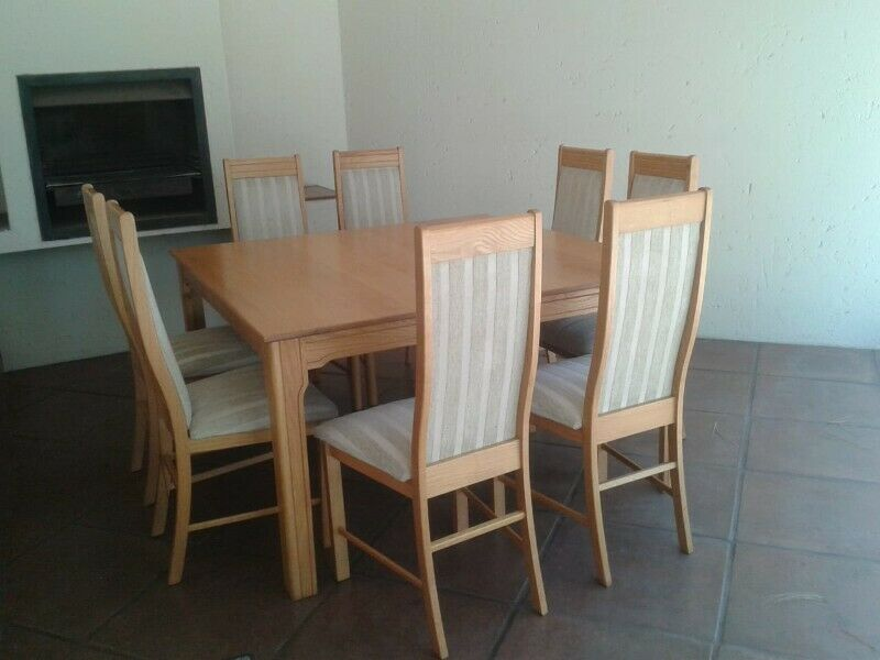 Solid Oak Dining Table With 8 Chairs And Matching Sideboard Fourways Gumtree Classifieds South Africa 852250604