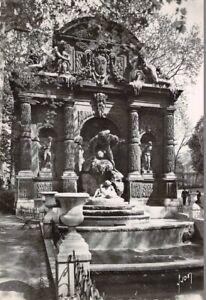 Paris-De-Flanant-Jardin-Del-Luxemburgo-Fuente-Medici