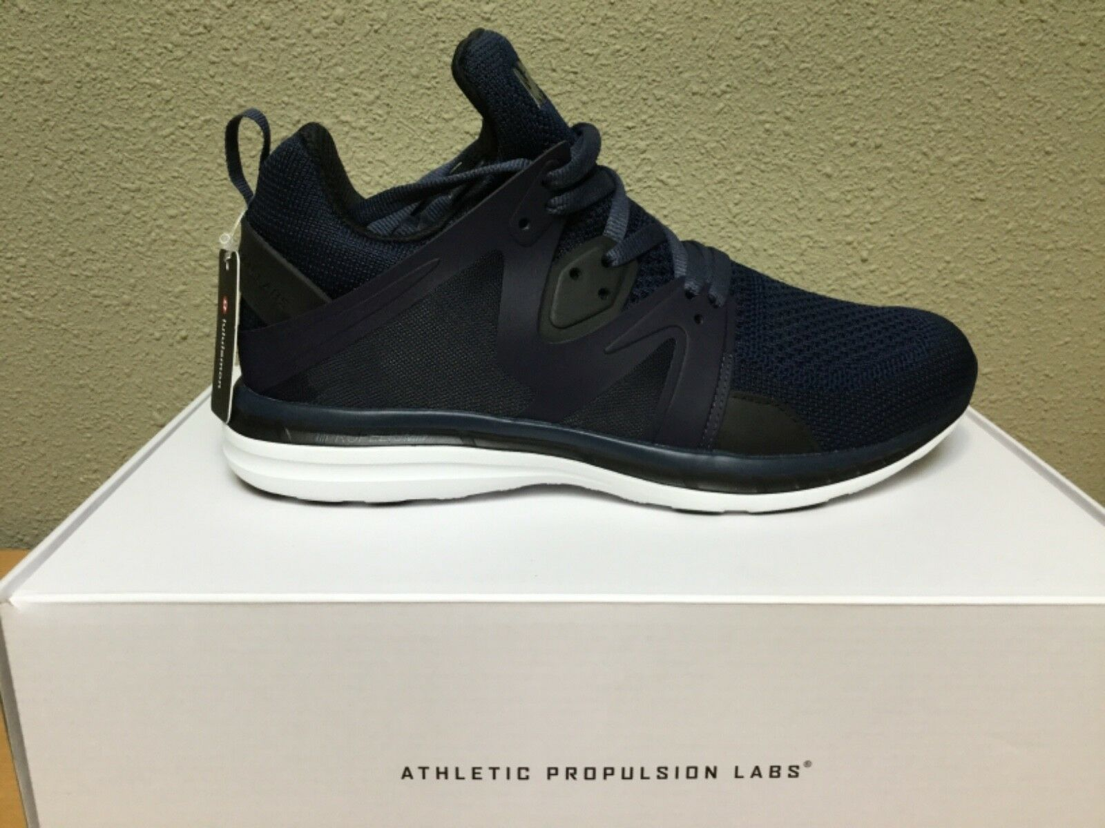 260 APL Techloom Ascend Running shoes Men's 9.5 bluee Athletic Propulsion Labs