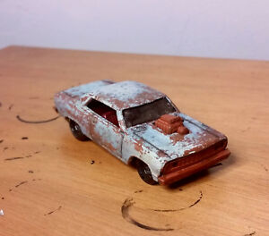 Hot-Wheels-custom-handmade-worn-out-and-rugged-039-64-chevy-chevelle-ss