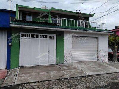 VENTA DE CASA AMPLIA 4 HAB EN LA PARTE ALTA DE PRADOS VERDES EN ESQUINA