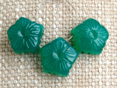 Green Onyx Hand Carved Flower Briolette Beads 13mm.