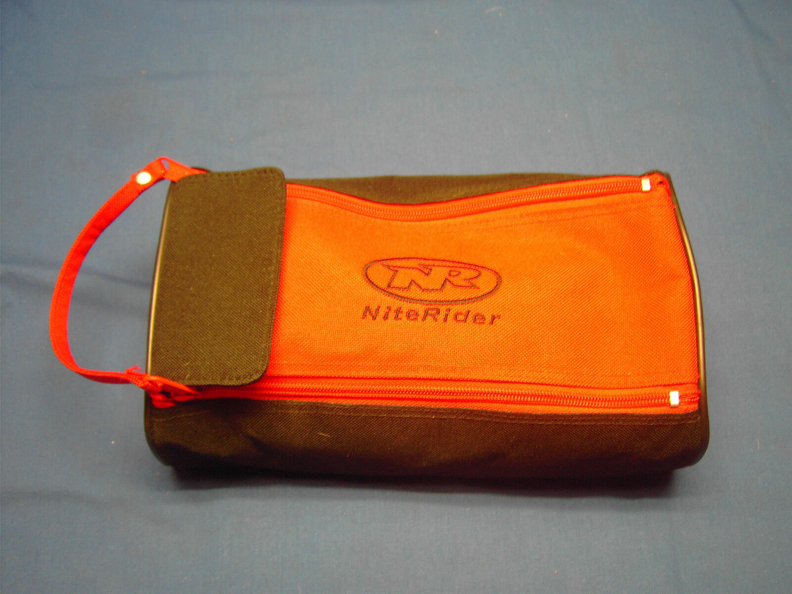 Nacht Pro Bike Licht met batterijpak en opbergzak voor rits
