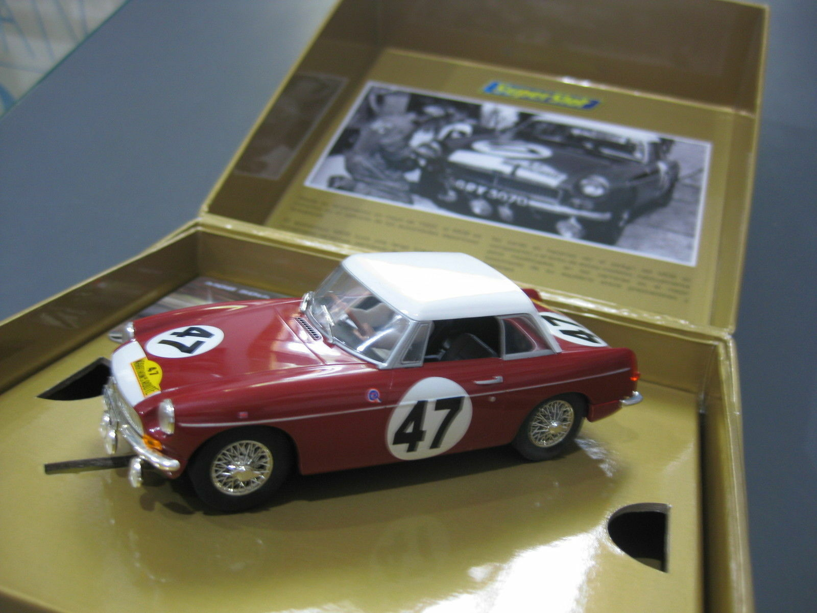 MGB RED BUS Nº47 EDICION SPECIAL 50 ANNIVERSARY MG OF SUPERSLOT REF. H3270A