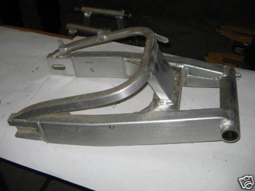 CBR 900 Bj 93 Hinterradschwinge Schwinge  Schwingenlager neu  P83048