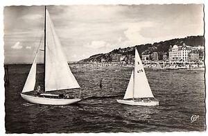 CPSM-PF-14-DEAUVILLE-TROUVILLE-Calvados-987-Les-Yachts-et-la-Plage