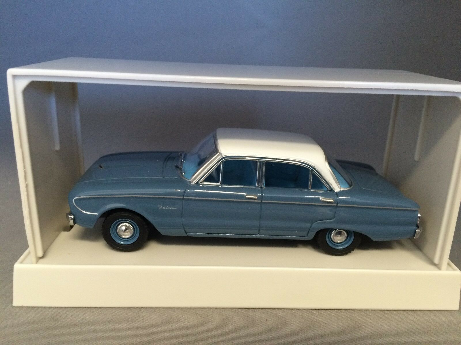 1 43 TRAX TR26D Ford Falcon XK XK Deluxe Sedan bluee white roof