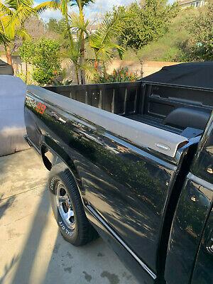 Bushwacker Chevrolet//GMC Smoothback Ultimate BedRail Cap