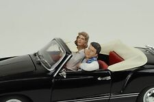 Paar seated Couple Figur Figuren Set 2 blau 1:24 American Diorama / no car !!