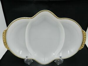 Vintage-FIRE-KING-Milk-Glass-Divided-Dish-Gold-Trim-3-Part-Vachina-Relish-Tray