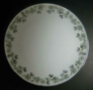 Noritake-Pinetta-DINNER-PLATE-S-pine-cones-amp-boughs-branches-5689-several-avail