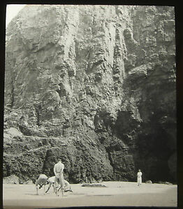 Lantern-Glass-Slide-Droskyn-Perranporth-Beach-Cornwall-Photo-pre1920s-22