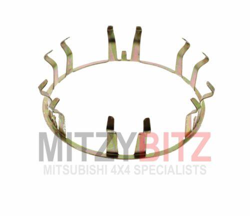 WHEEL CENTRE HUB CAP HOLDER CLIP RING PAJERO SHOGUN SPORT K94W MK1 2.5D 98-09