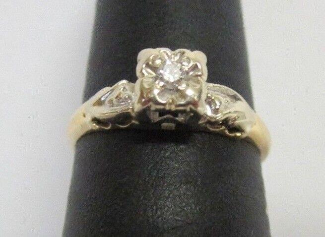 (RI3) Ladies 14K Two-Tone gold Diamond Ring - sz. 6 - 1.8 g - .01 TCW