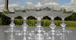 Baccarat-ou-Saint-Louis-Service-de-6-coupes-a-champagne-en-cristal-grave