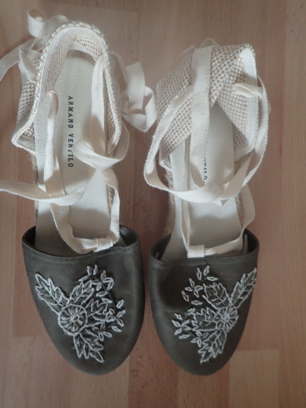 Embroidered shoes green and beige Armand ventilo size 39 new