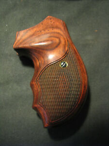 Details about Charter Arms Checkered Rosewood FingerGrooved Pistol/Revolver  Grips Beautiful!