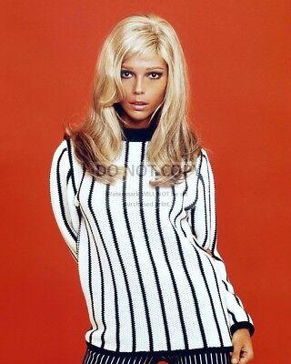 NANCY SINATRA SINGER AND ACTRESS - 8X10 PUBLICITY PHOTO (AB-117)   eBay