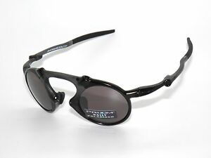 8701f68ca65 CLEARANCE OAKLEY  MADMAN 6019-05 DARK CARBON PRIZM DAILY POLARIZED ...