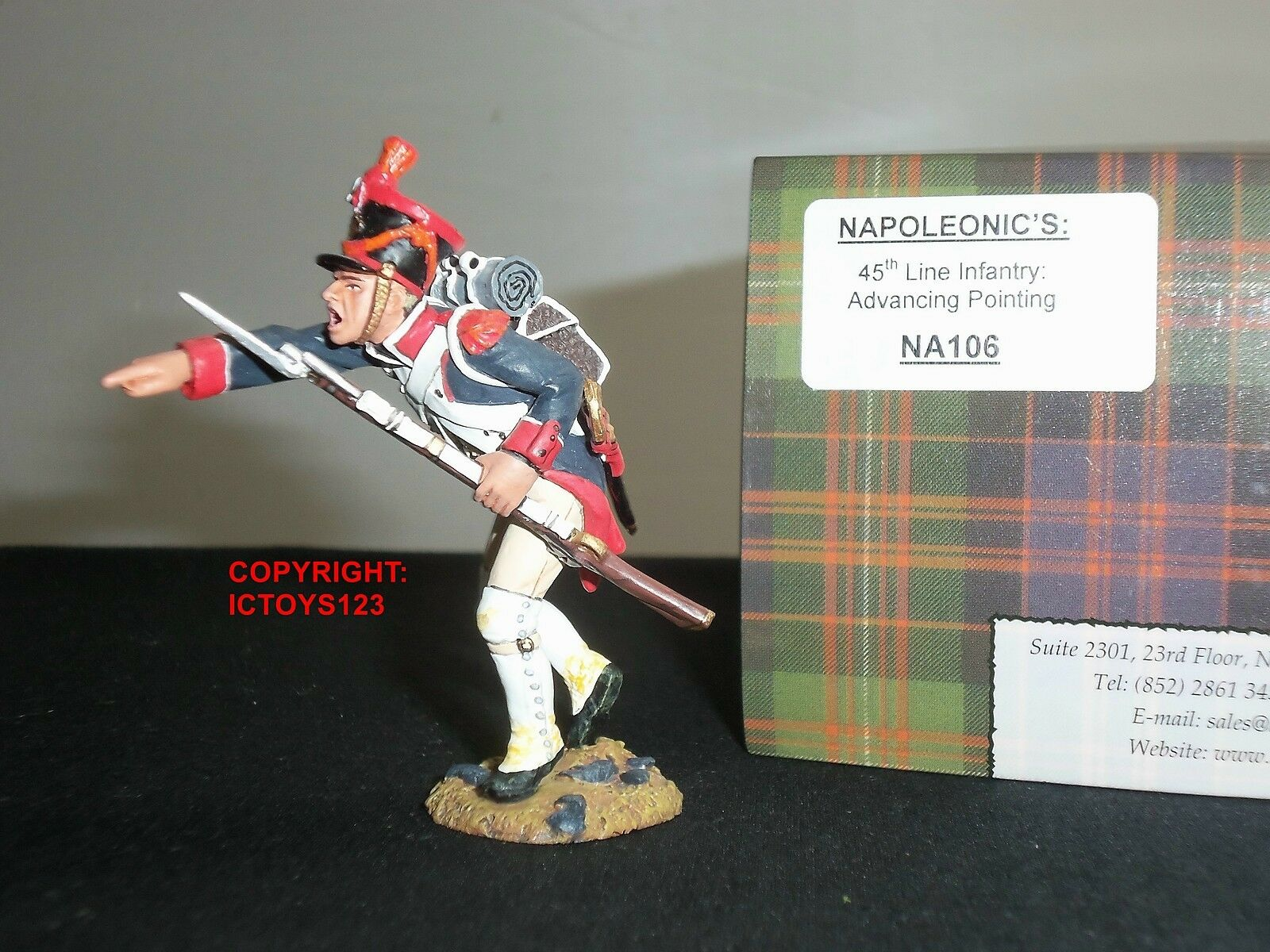 KING AND COUNTRY NA106 FRENCH 45TH LINE INFANTRY ADVANCING POINTING TOY SOLDIER