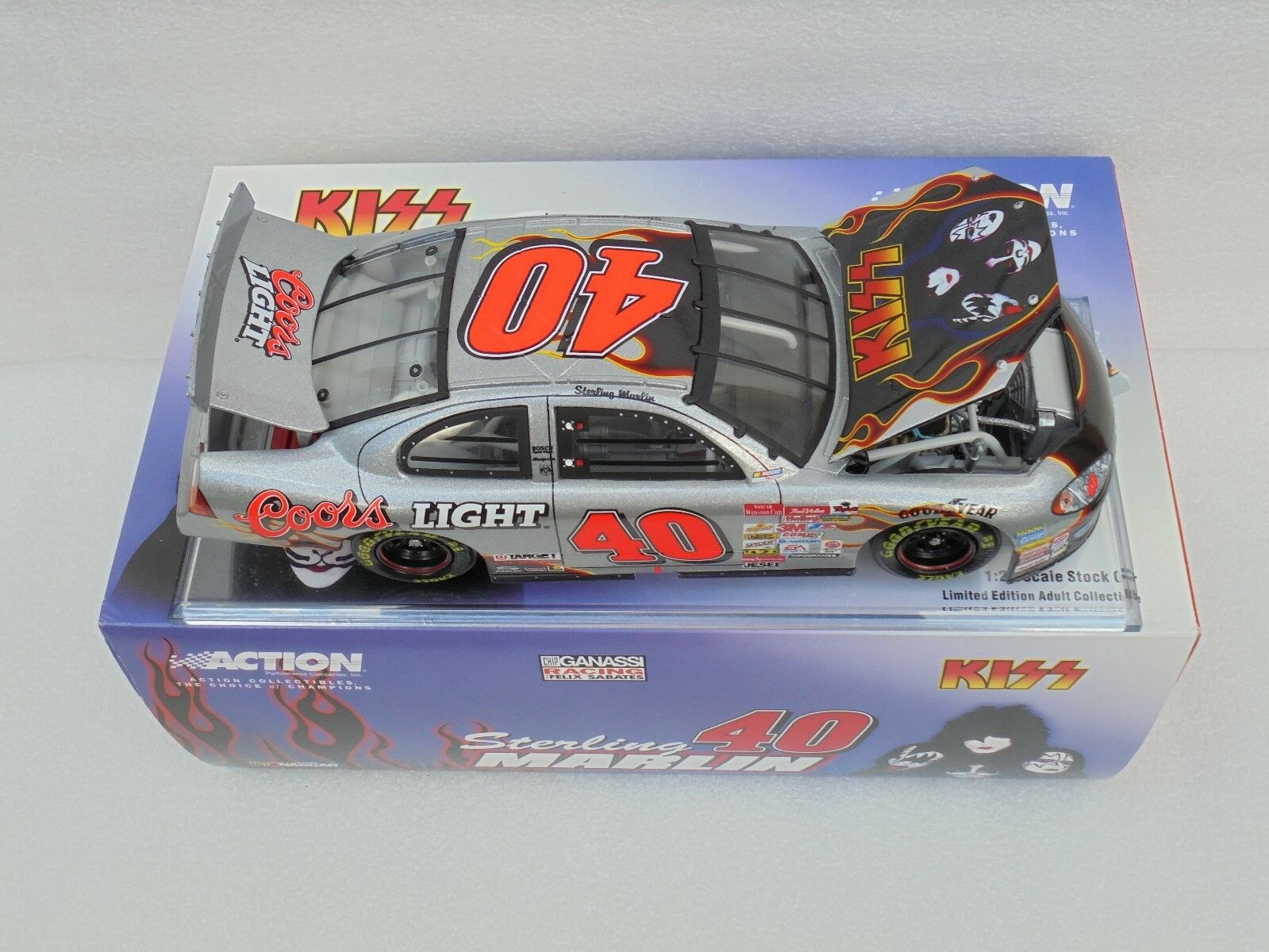 Sterling Marlin  40 Coors Light Kiss 2001 DODGE INTREPID R T 1 24 Action Diecast