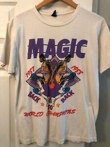 watch f91b4 2ef70 Details about Vintage Magic Johnson Lakers Back to Back 87'-88' World  Championship Tee Sz L