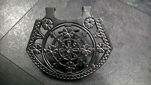 Vintage-Ornate-cast-iron-trivet-with-adjustable-bracket-stock-Item-CP001