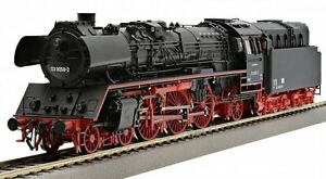 Roco-72205-Express-train-locomotive-BR-03-0058-2-Oil-DR-Ep-4-Plux16-DSS-2015