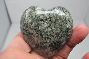Preseli-Bluestone-healing-Crystal-British-Puff-Heart-The-Stonehenge-Stone-98-4g