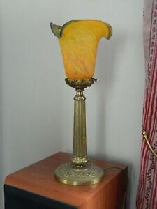 Ancienne-lampe-avec-tulipe-en-pate-de-verre-signee-Art-de-France
