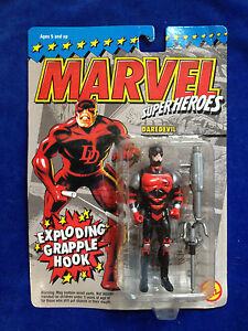 New! ToyBiz Marvel Superheroes Daredevil with Exploding Grapple Hook figure