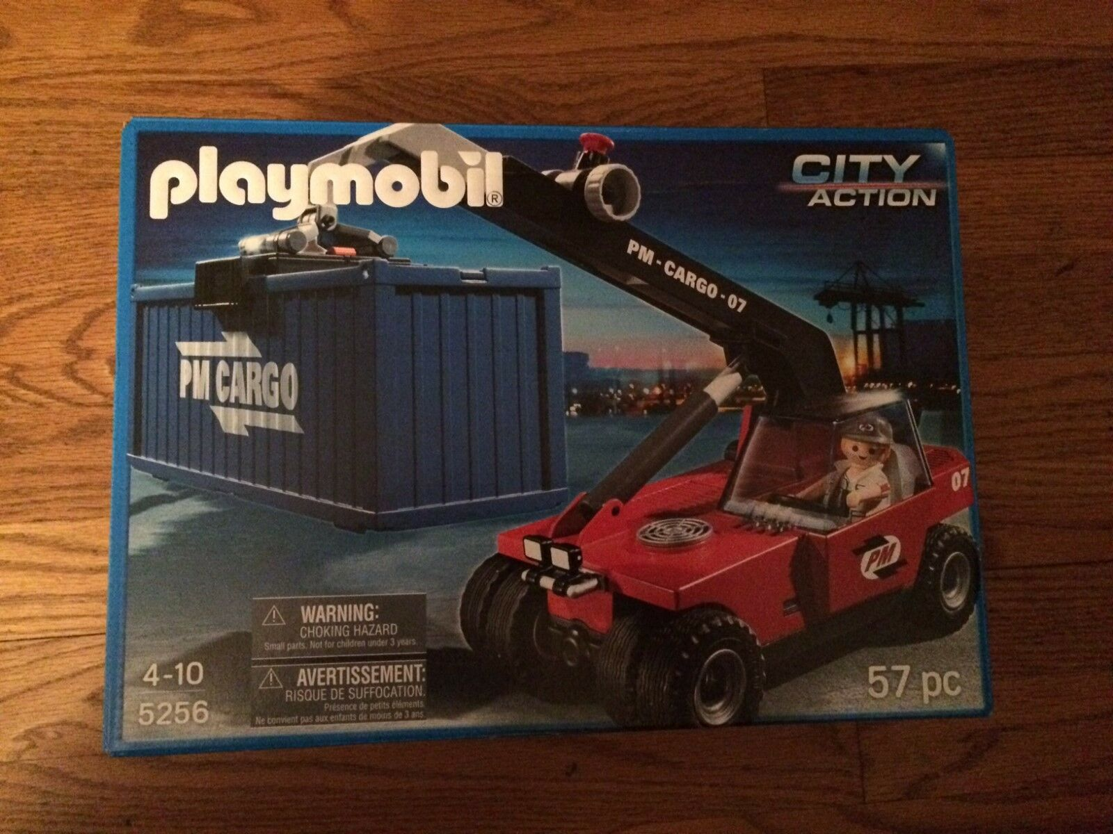 Playmobil 5256 Cargo Transporter with Container New in Box!