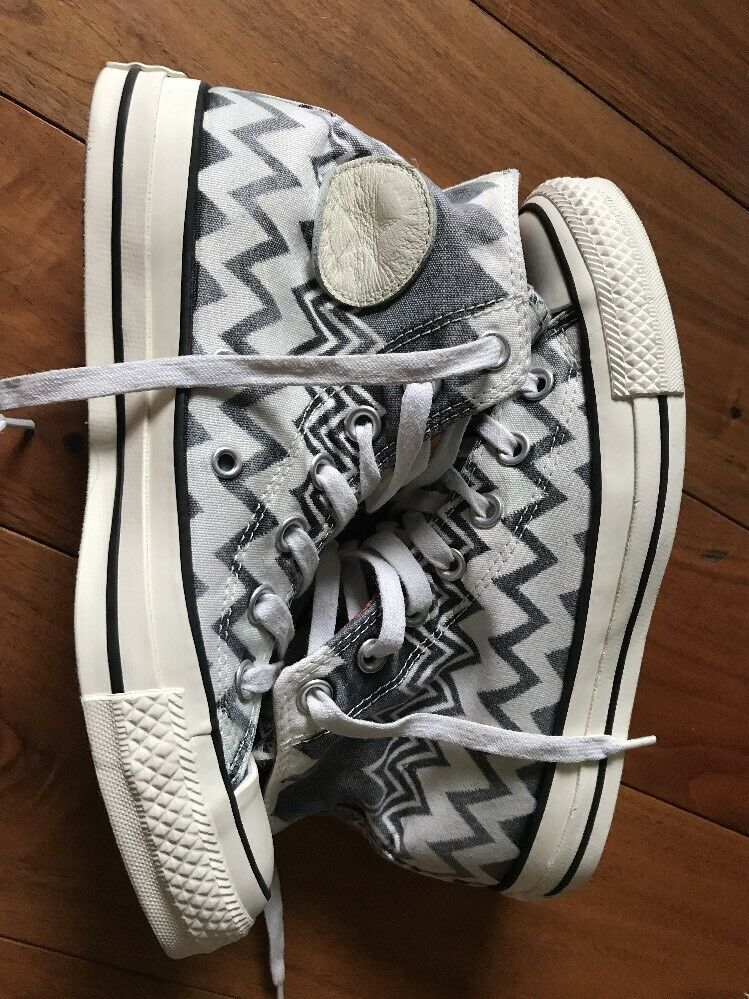 Converse High design Tops Size 5UK Charming design High  Athletic Shoes 885edd