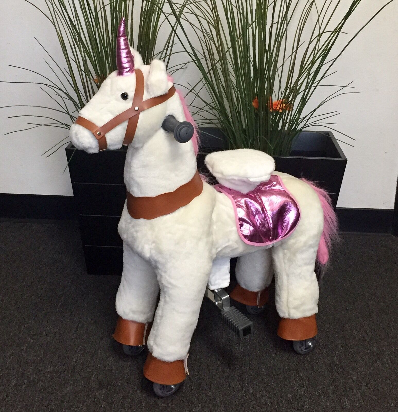 SMALL UNICORN Ride On by GiddyUp Rides ''PINK WHITE  2-5 Yrs (01F) - USA SHIP