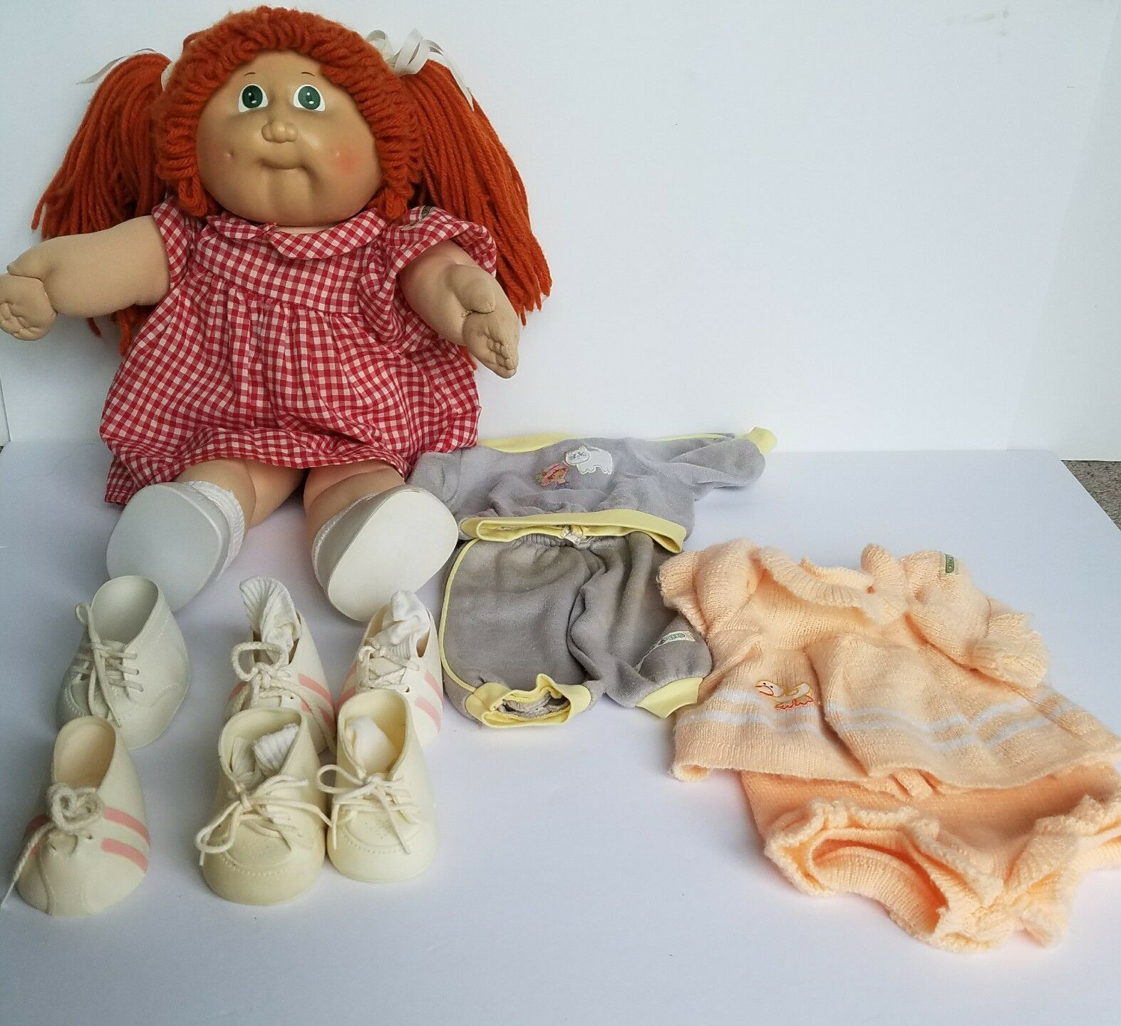 Vintage1982 Cabbage Patch Doll Kids rot Hair Pigtails Plus 2 Outfits