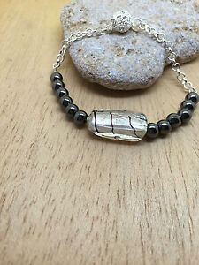 Bracelet-Hematites-Et-Murano-a-la-feuille-d-039-argent